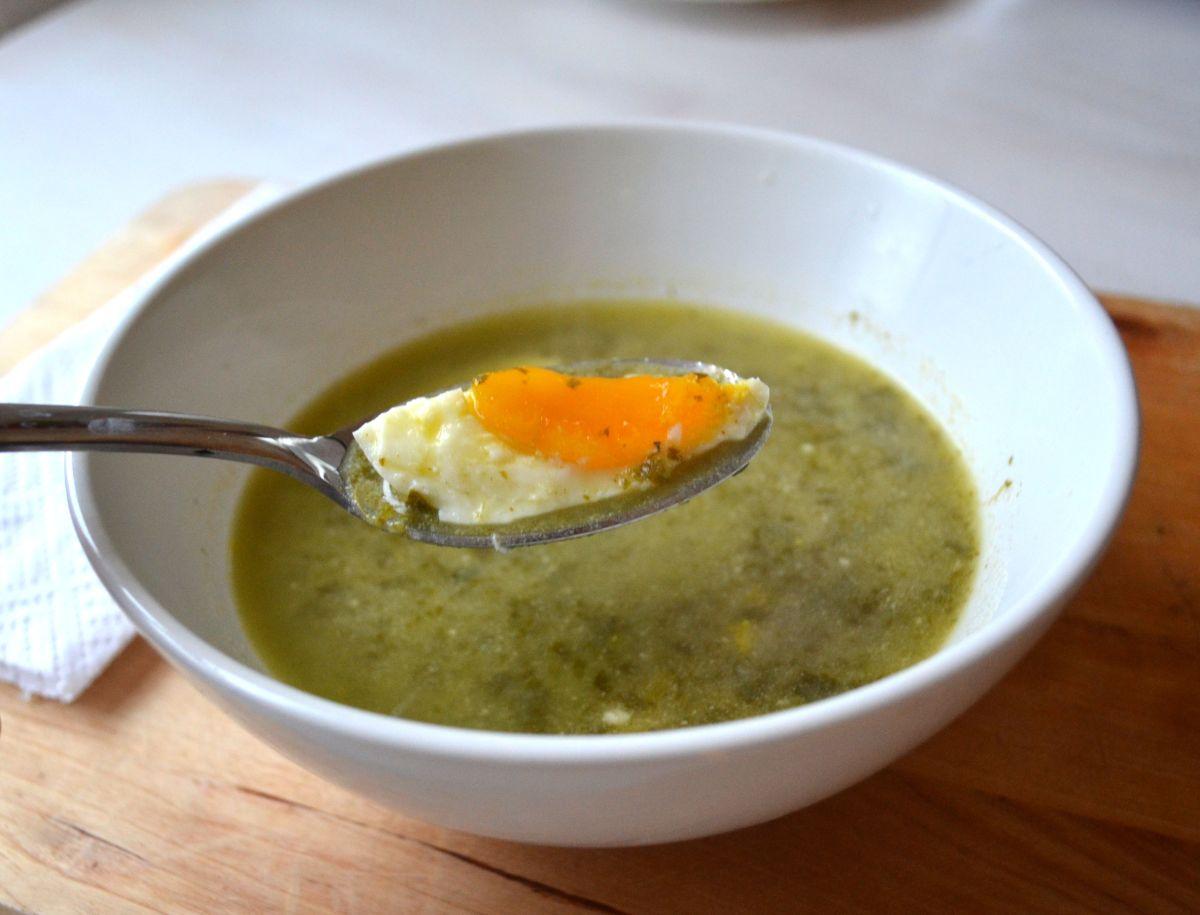 Polish Sorrel Soup (Zupa Szczawiowa)
